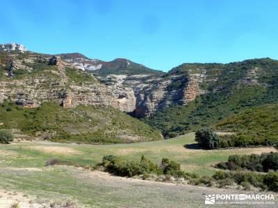 Viaje Semana Santa - Mallos Riglos - Jaca; viaje puente de mayo; equipamiento senderismo;senderismo